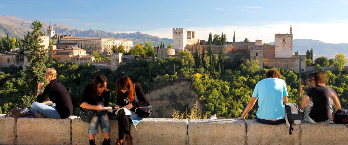 Granada. Vista de la Alhambra desde el Mirador de San Nicolás e